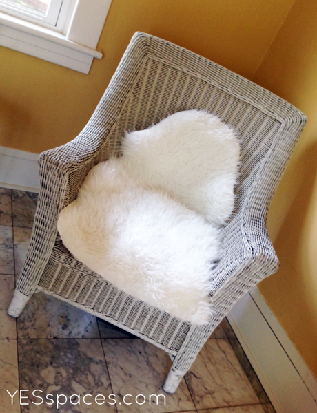 chair-with-fur
