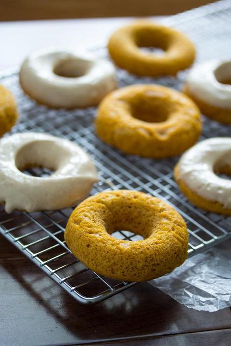 Pupmkin Donuts with Cinnamon-Maple Cream Cheese Frosting #pumpkin
