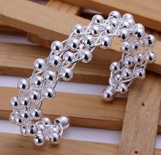 Image: Classic Knot Silver Bracelet Bangle