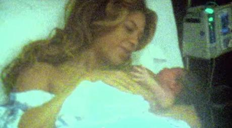 Beyonce Reveals Nude Baby Bump From Pregnancy With Blue Ivy (Photos)