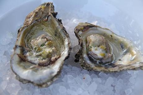 Champagne Oysters Baren-Mignonette