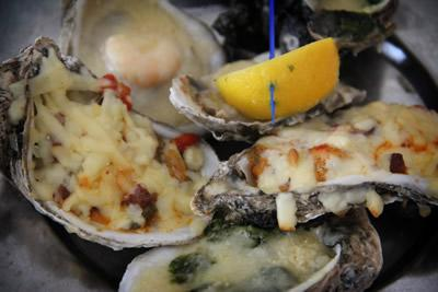 baked-oyster-trio-great-southern-cafe
