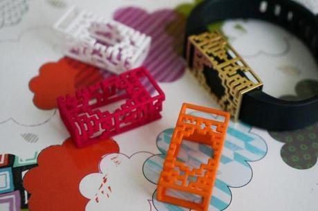 bytten_fitbit_slides_pink_orange_white_brass