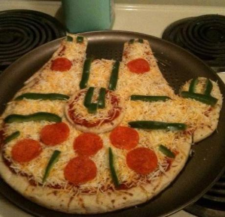 Top 10 Nerdy and Creative Pizza Designs - Paperblog