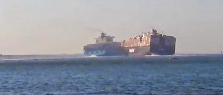 collision of container vessels at Suez Canal