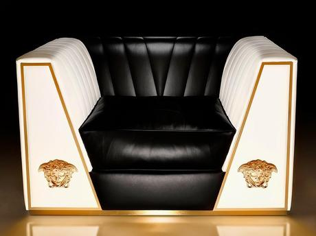 MV News: Versace Presents An Exclusive Edition Of The New Via Gesù Sofa