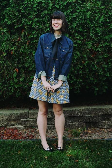 vintage-denim-jackets-and-vintage-sunflower-dresses