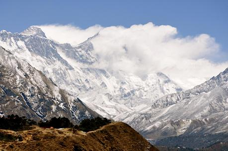 Himalaya Fall 2014: More Trekkers Rescued, Search Continues For Those Missing