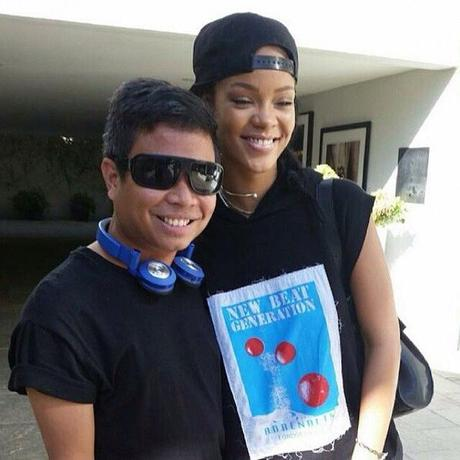 Rihanna Spotted With Fans & Possible Duet With Michael Botton?