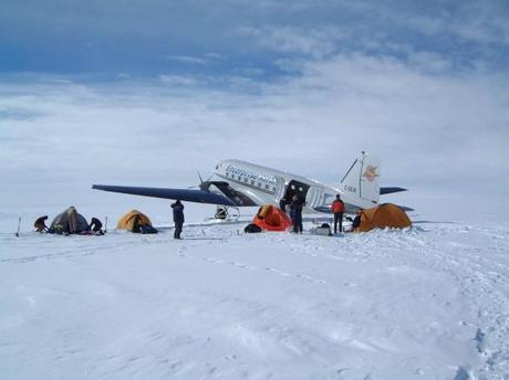 ExWeb Interviews Steve Jones of Antarctic Logistics and Expeditions