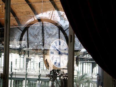 Clock-view-for-train-bleu-c