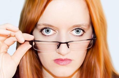Eyeglasses makeup tricks
