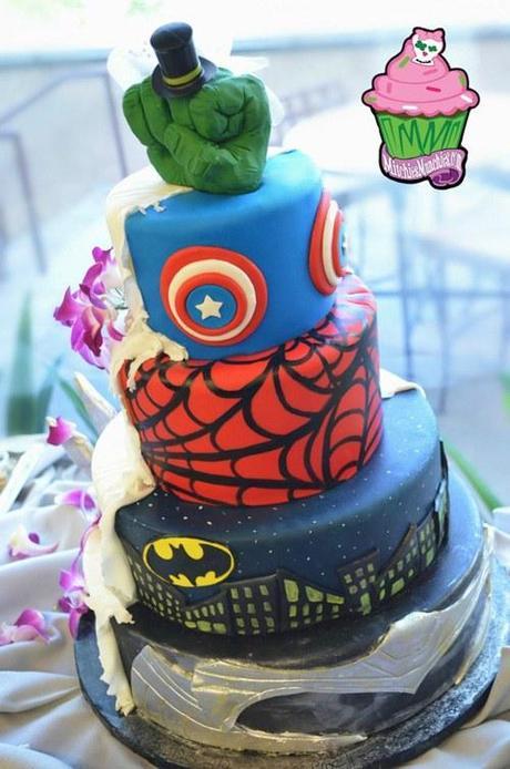 superhero-wedding-cake-2