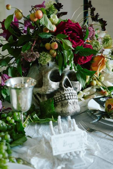 How to throw a Tortured Artist dinner party
