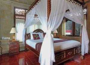 Teak Bedrooms, Top 10 Ubud Resorts, Spas. Bali Hotels