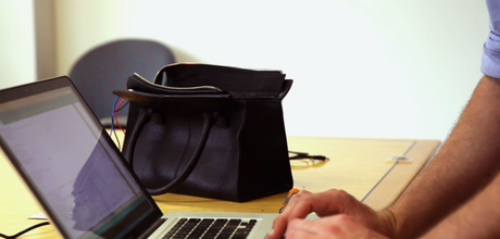 iBag- Smart Bag That Keeps You From Overspending