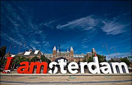 KLM Get friends & WIN