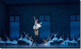 Review: Swan Lake (Joffrey Ballet Chicago)