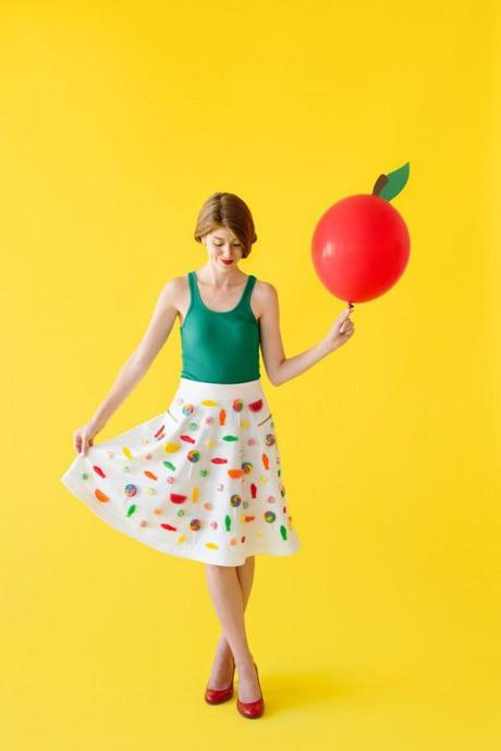 DIY-Candy-Apple-Costume-600x900