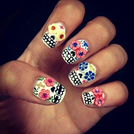 Mexican sugar skull nails.