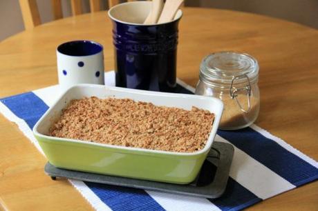 Wholemeal Quinoa Apple Cumble, Vegan | The Tofu Diaries