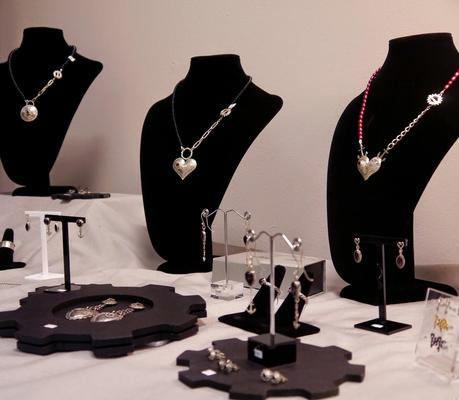 Karen Smith jewellery, Karen Smith, pop up shop, jewellery, Dundee, Time Lifestyle Boutique, Christmas Shopping, jewelry display