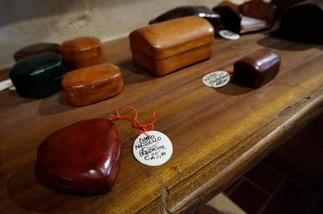 La vacchetta Grassa,#vacchettagrassa,modena, what to see in modena, what to see in bologna, what to do in modena, what to do in bologna, where to visit in modena, where to visit in bologna, where to shop in modena, where to shop in Bologna, where to shop in Emilia Romagna, artisan, artisanal, artigiano, artigiani, where to shop in italy, best places to shop in italy, christmas gifts, hand made christmas gifts, buy online made in italy, made in italy, buy made in italy online, #madeinitaly,#madeinmodena, made in modena, best shops in italy, best shops in modena, modena leather goods, leather goods in italy, made in italy leather goods, sponsored post, ad, sponsored ad