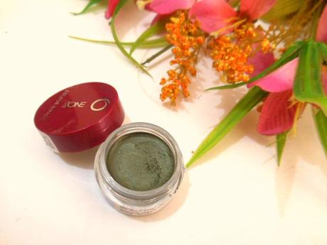 Oriflame The ONE Colour Impact Cream Eye Shadow Olive Green : Review, Swatch