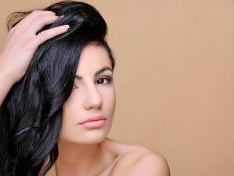Effective Ways to Control Hair Fall this Winter