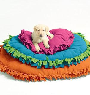 McCall's Patterns M5410 Pet Beds, All Sizes - includes patterns and instructions for no-sew pet beds in three sizes