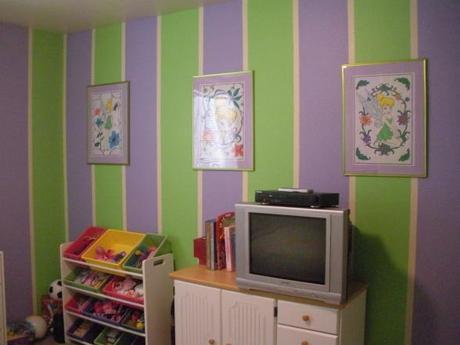 purple green little girls room paperblog. Black Bedroom Furniture Sets. Home Design Ideas