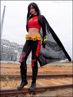 Sparky Cosplay as Female Red Robin (Photo by Whitney's Wonders)