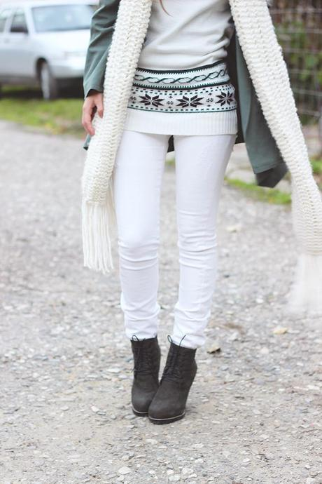 Big chunky knit scarf