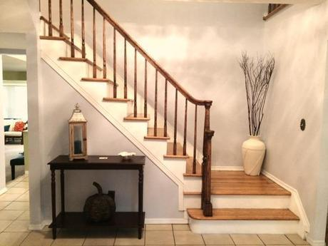 A console table is a great piece to use in an entryway.
