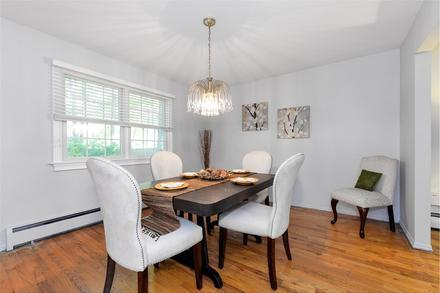 always show hardwood flooring when selling a home
