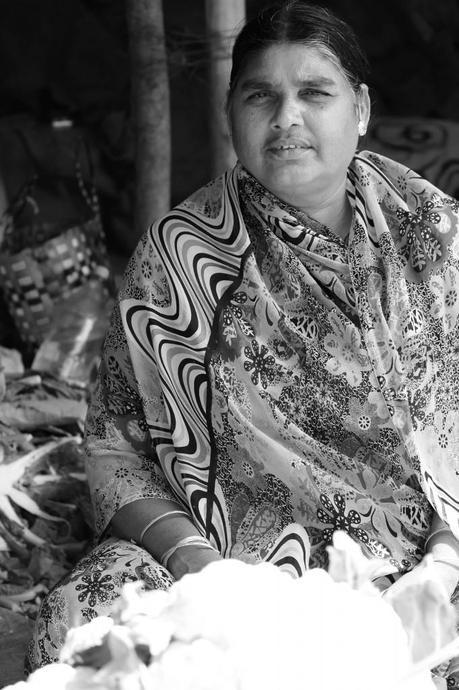 harsha-photography-black-and-white-lady-old