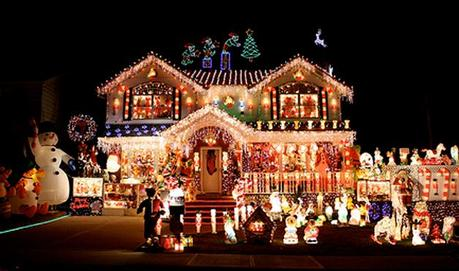 10 of the World's Craziest Christmas Lights Displays - 10 Of The World's Craziest Christmas Lights Displays - Paperblog