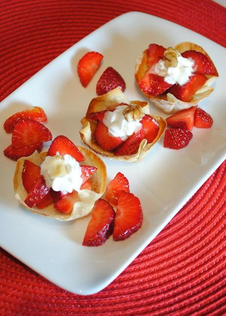 Super Easy Dessert - Wonton Cups Filled with Strawberries and Cream
