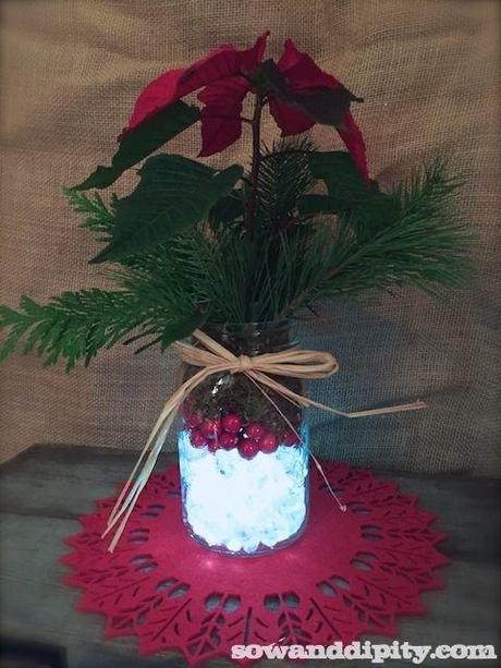 Holiday mason jar centerpieces paperblog for Christmas table decorations using mason jars