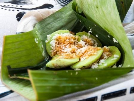 kuil-gunung-kawi-bali-indonesia-i-a-snack-of-rice-pancake-sugar-and-coconut
