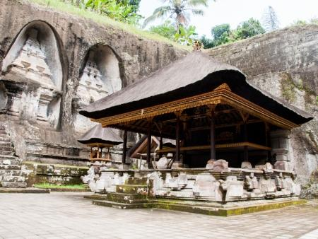 kuil-gunung-kawi-bali-indonesia-a-under-covered-temple-with-rock-cut-candi-shrines-in-background