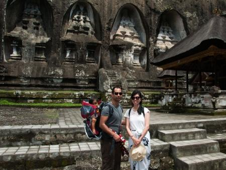kuil-gunung-kawi-bali-indonesia-c-sonya-travis-and-farah-at-gunung-kawi