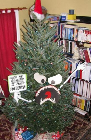Top 10 scariest looking christmas trees paperblog for Best looking christmas tree