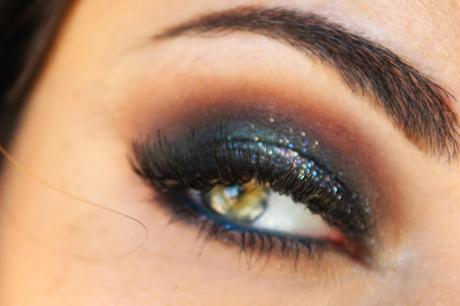 New Year's Eve 2015 Glittery Smokey Eye Makeup Tutorial