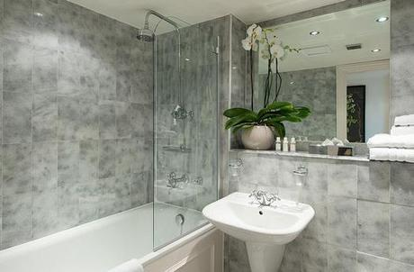 Gray Bathroom Tiles are Trending