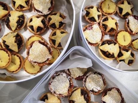 Why making fruit mince pies will be the death of you – part 2 (the pastry)