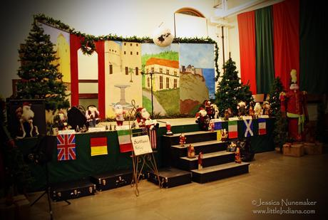 Rockport, Indiana: Christmas Program The Stage is Set