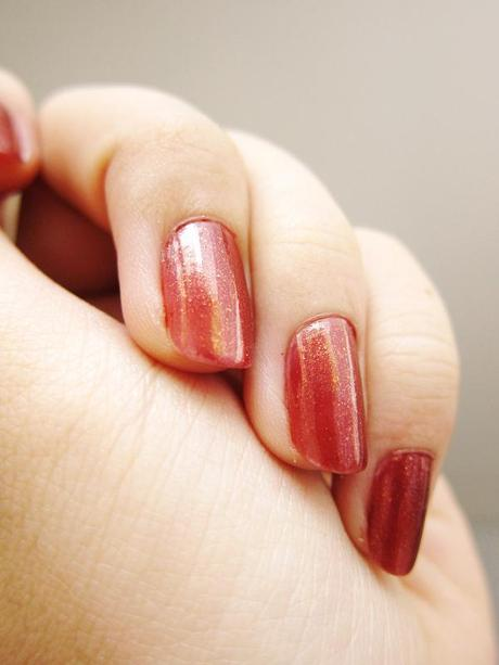 "Bobbie Premium Nail Creme ""Terracotta"" – A toasty but berrylicious Christmas shade"