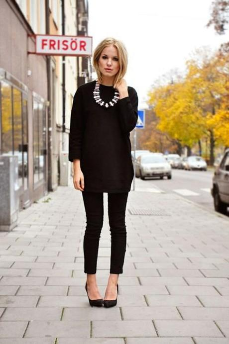 tunic + skinny pants + pointy pumps= so much the new Emanuelle Alt trend.