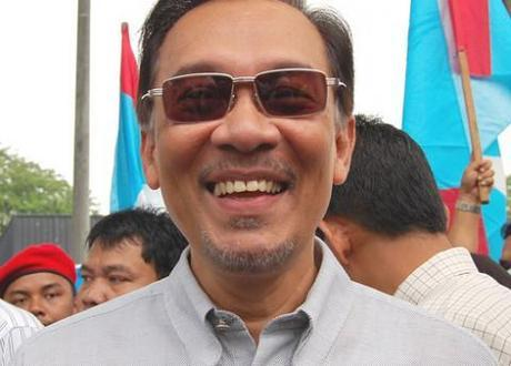 Malaysian opposition leader Anwar Ibrahim acquitted of sodomy, free to contest upcoming election